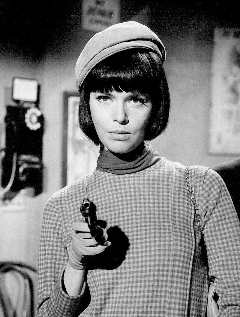 800px-Barbara_Feldon_Get_Smart_1966