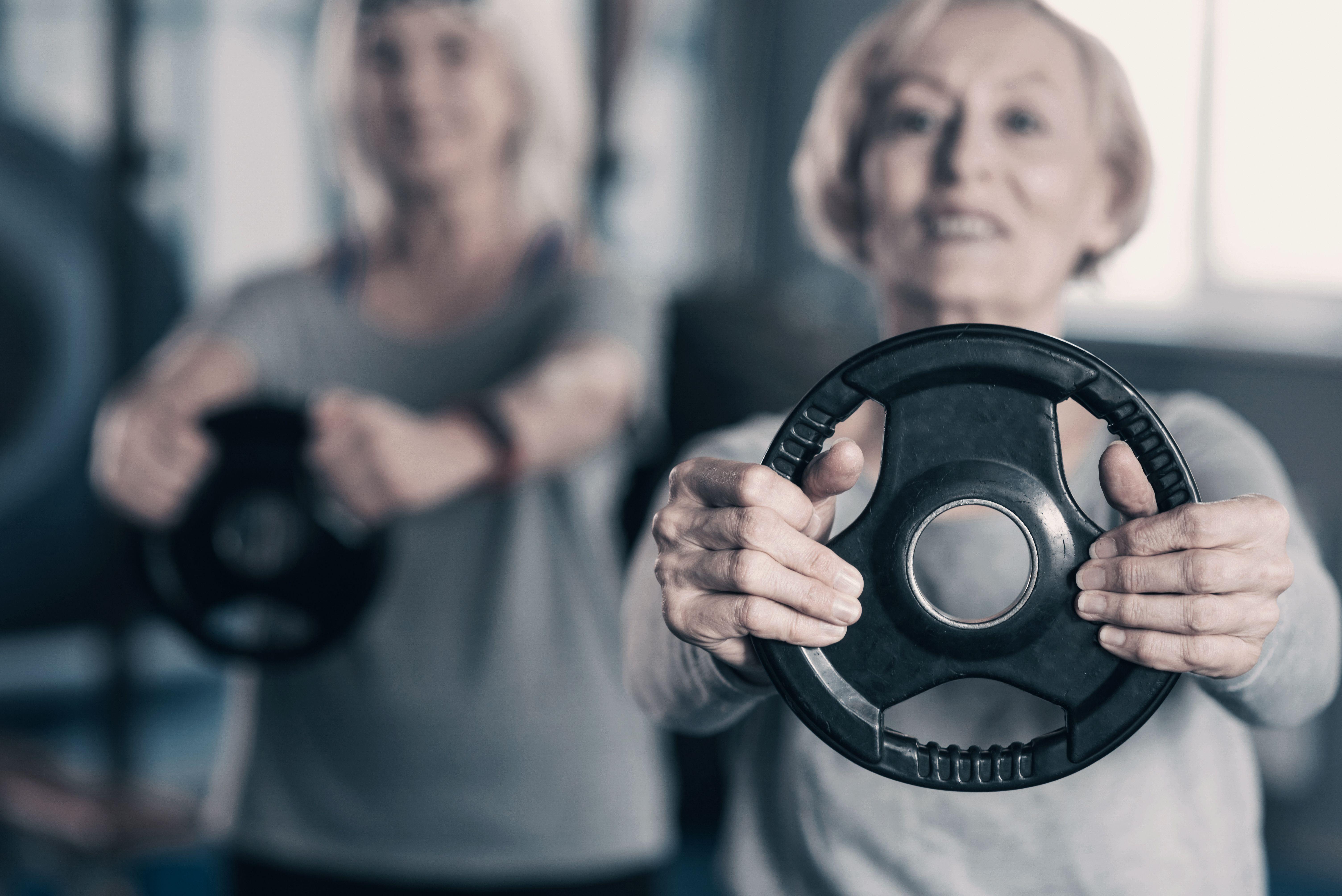 senior womann lifting wieght 1